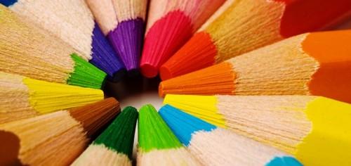 renkli-kalemler