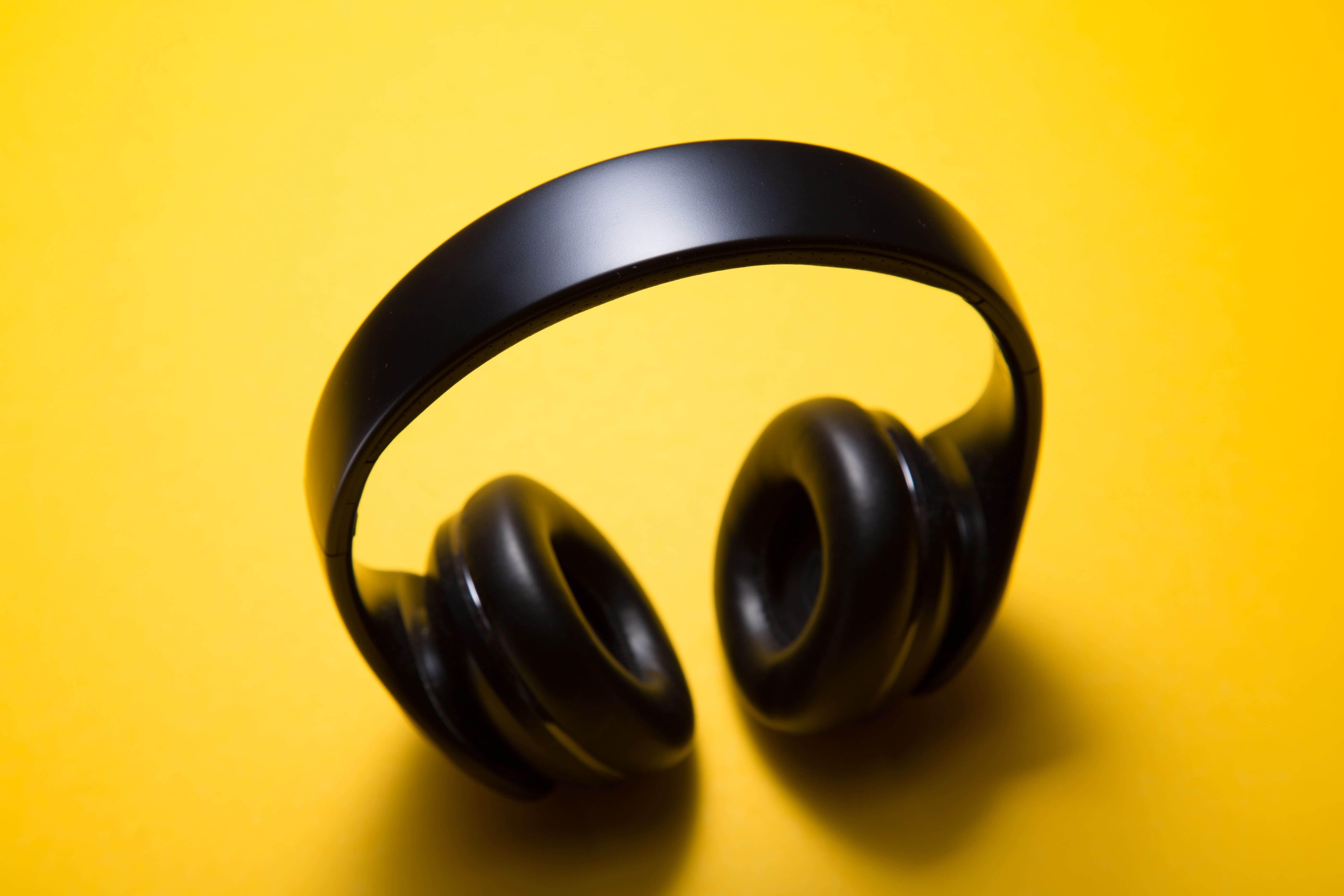 kablosuz kulak üstü kulaklık