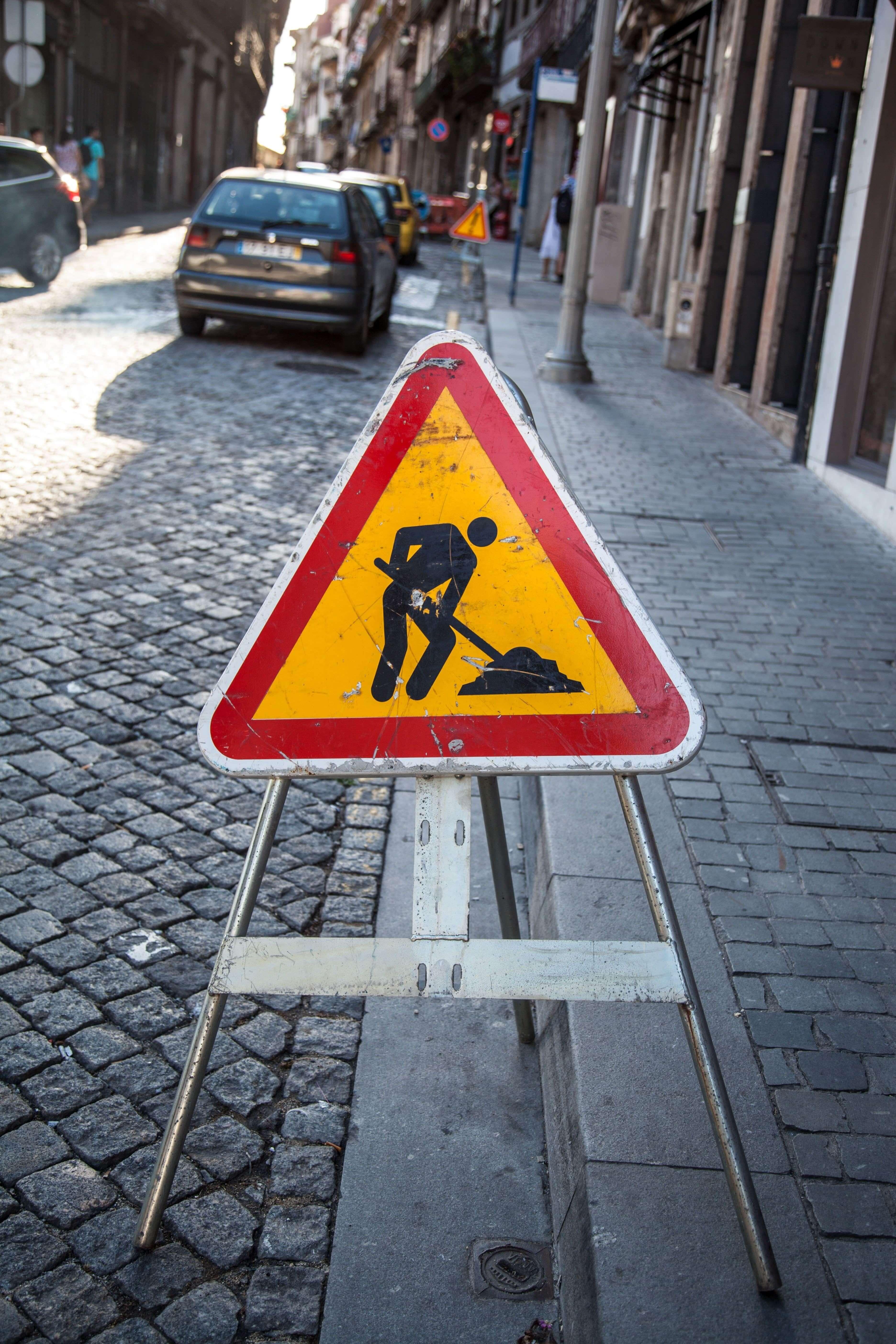 iş güvenliği uyarı levhaları ne anlama gelir